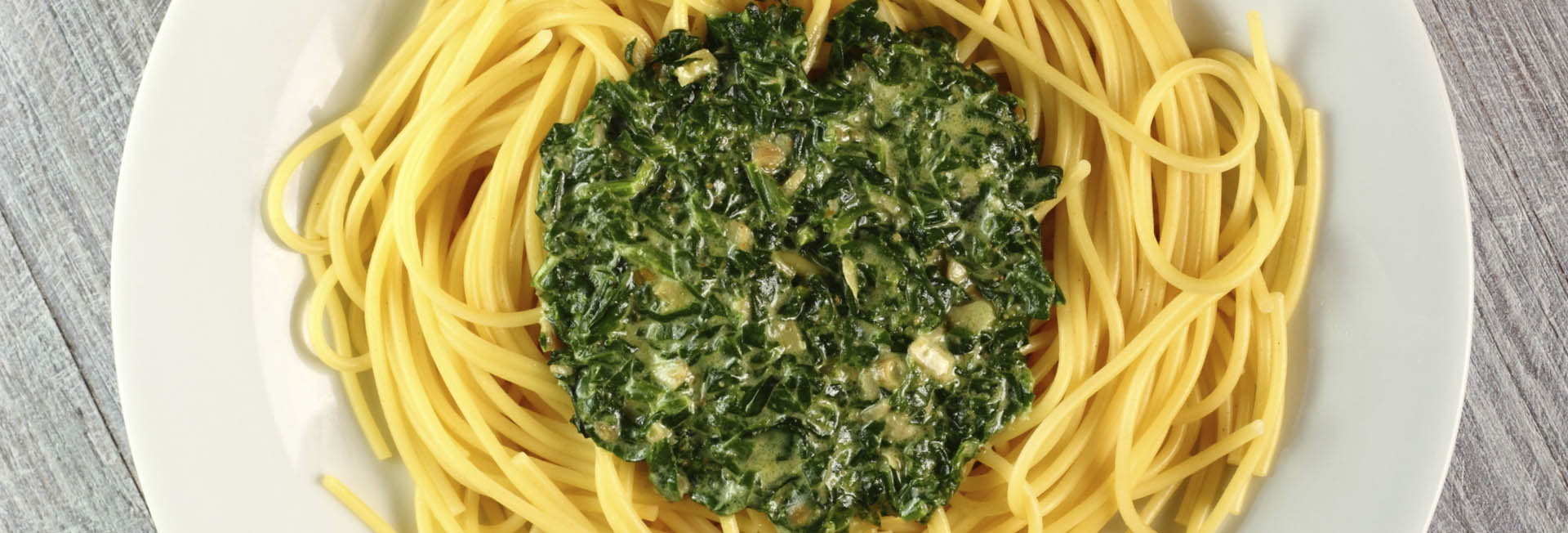 Espaguetis con pesto detox