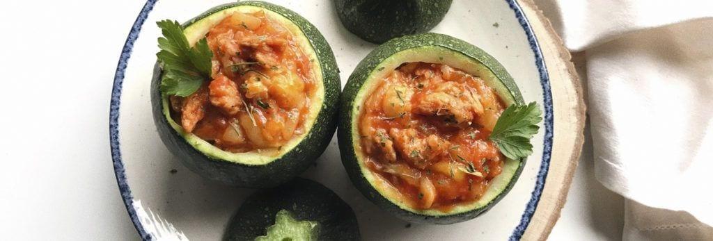 Calabacines rellenos de soja texturizada