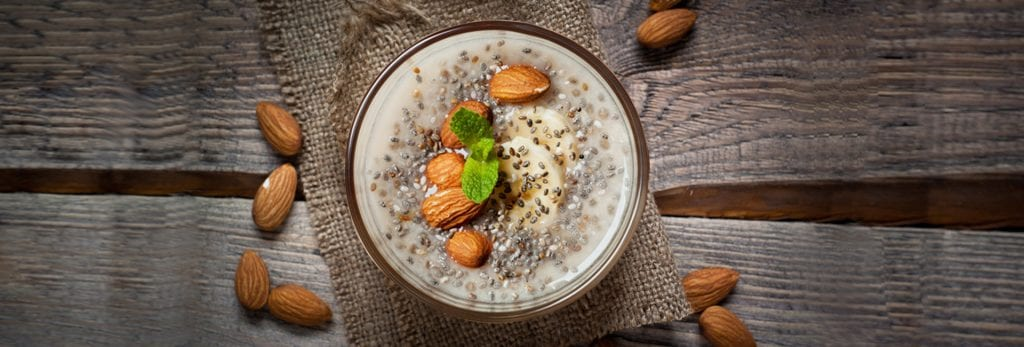 Breakfast-Pudding de Chía con Bebida de Almendra