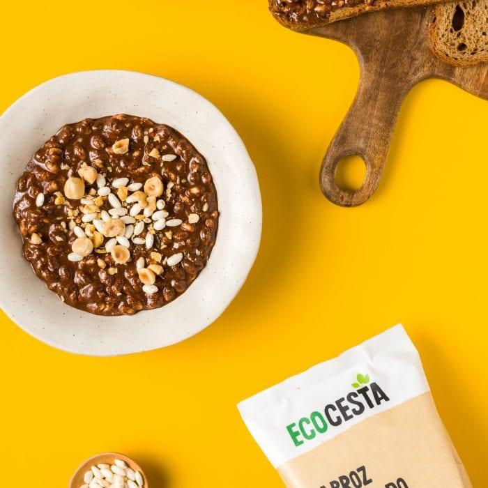 Crema de avellanas y cacao con con crunchies de Arroz Hinchado